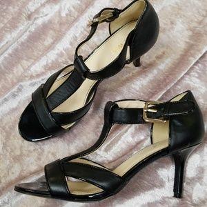 Nine West black T strap pumps 7